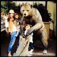 Alessandra Ambrósio é mãe de Anja, de 5 anos, e Noah Phoenix, de 2 anos. Eles são frutos do relacionamento de Alessandra com o empresário Jamie Mazur