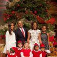 A Casa Branca conta, além de Barack e Michelle Obama, com as meninas Malia, de 15 anos, e Natasha, 12 anos. A primeira-dama é rigorosa com as filhas. Elas têm de praticar dois esportes: um de sua própria escolha e outro indicado pela mãe. 'Quero que elas entendam como é fazer algo de que você não gosta e ter de melhorar'