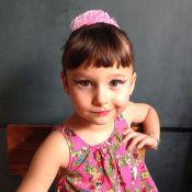 Nina, filha da atriz Débora Falabella com Chuck Hipolitho, completa 5 anos