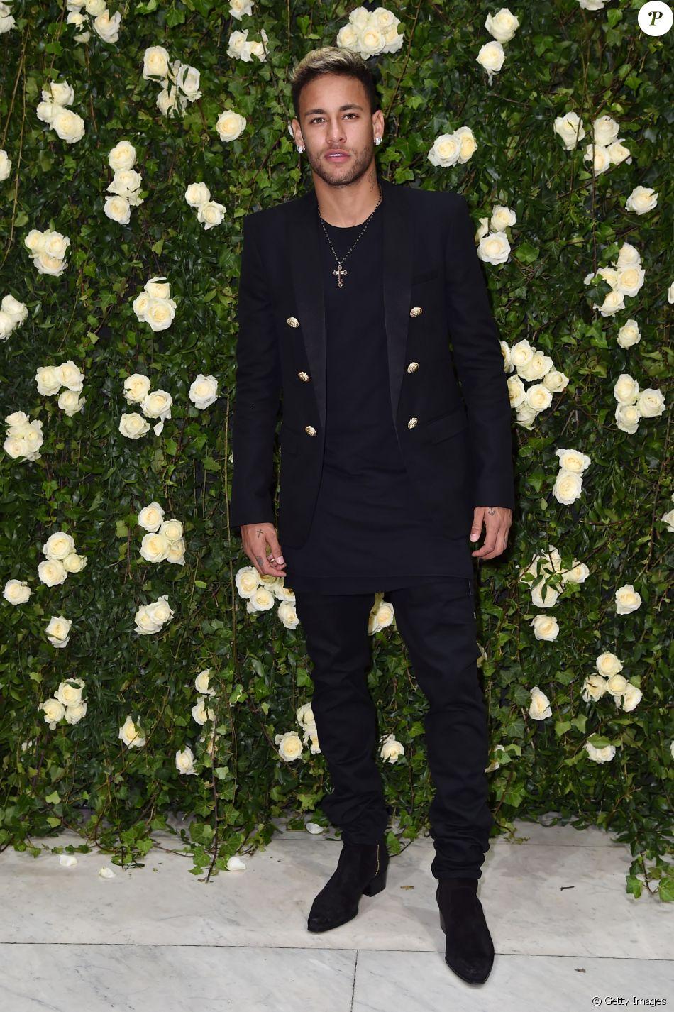 Neymardenuncia fake e reclama no Instagram: 'Algum idiota se passando por mim'