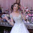Festa de Bianca Vedovato foi inspirada no filme 'Alice no País das Maravilhas'