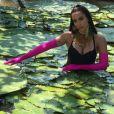 Stylist explica looks coloridos de Anitta em clipe 'Is That For Me', lançado nesta sexta-feira, dia 13 de outubro de 2017
