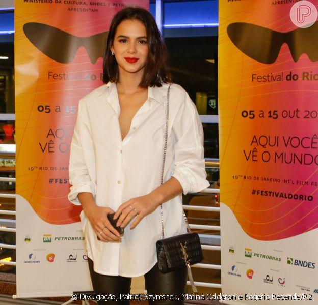 Bruna Marquezine prestigou o Festival do Rio na noite de sexta-feira, 13 de outubro de 2017