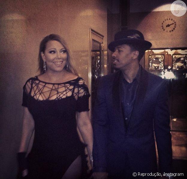 Mariah Carey e Nick Cannon estão separados. De acordo com a revista 'OK', a cantora não aguentava mais manter as aparências de seu casamento
