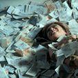 Após se envolver no mundo do crime, Bibi (Juliana Paes) se redimiu e foi presa