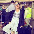 Giovanna Ewbank também apostou em sapatos baixos, dessa vez com brilhos, para viajar