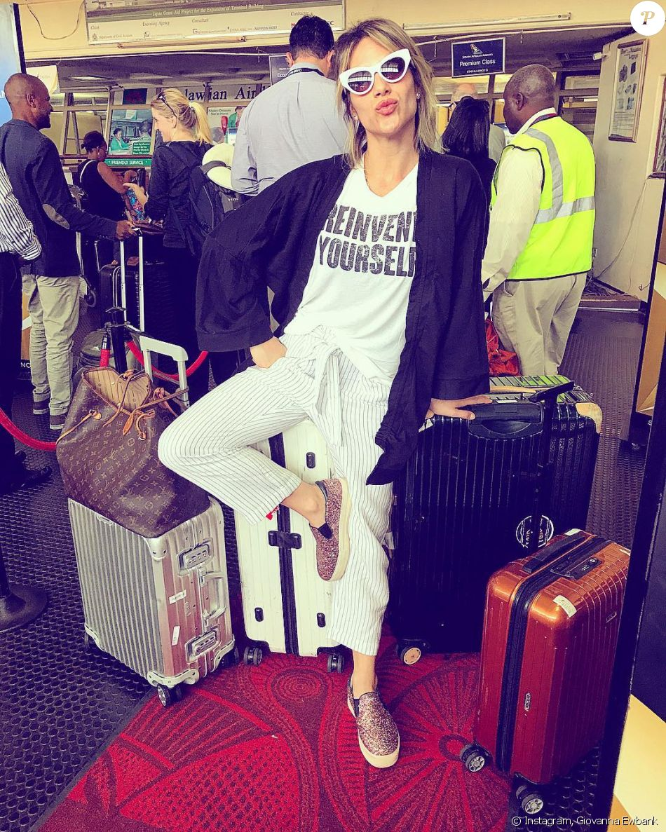 Giovanna Ewbank também apostou em sapatos baixos 5ddaab27b70f5