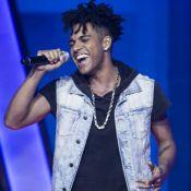Michel Teló reconhece Vinicius D'black no 'The Voice' e web reclama: 'Marmelada'