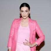 Sophia Abrahão aposta em look total pink para pocket show em São Paulo