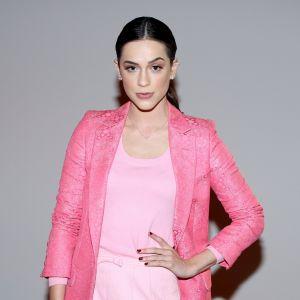 Todos. Foto do site da Pure People que mostra Sophia Abrahão aposta em look total pink para pocket show em São Paulo