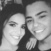 Ex-BBB Emilly curte evento de música e tieta Felipe Araújo: 'A mala não é falsa'