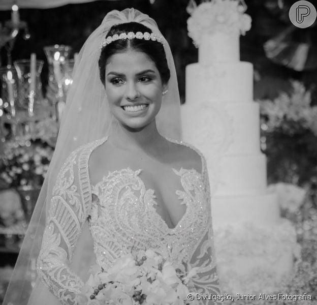 O vestido usado pela ex-BBB Munik Nunes em casamento com empresário Anderson Felício foi emprestado