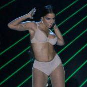 Multishow:Anitta sensualiza com lingerie nude, passa saia-justa e leva 3 prêmios