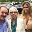 Deborah Secco estava com o rosto mais cheinho na gravação da vinheta de fim de ano da TV Globo