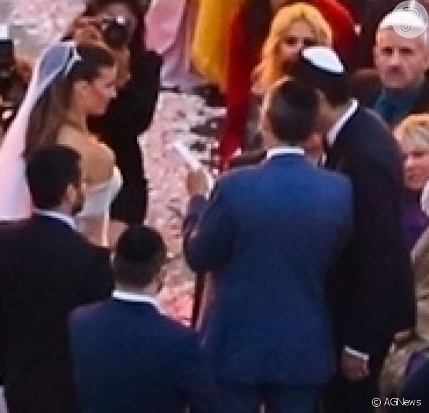 Fotos da cerimônia de casamento de Guy Oseary e Michelle Alves realizado no Cristo Redentor, no Rio de Janeiro