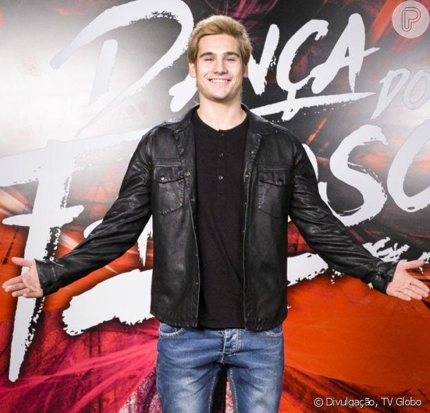 Aos 20 anos, Nicolas Prattes está curtindo sua solteirice, mas garante: 'Estou solteiro, mas nunca sozinho'
