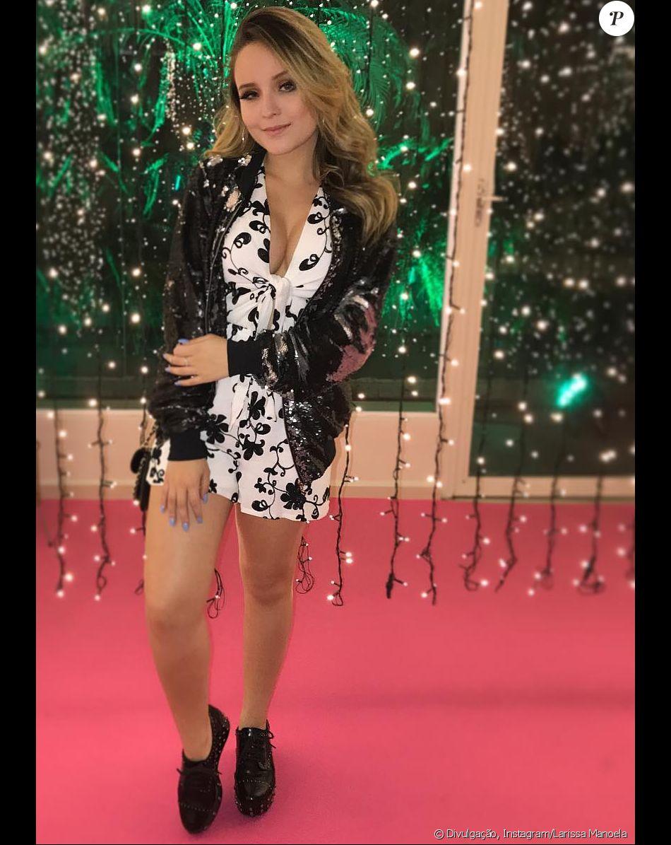 Muito Larissa Manoela brinca sobre estar solteira e cita Anitta: 'Linda  OZ06