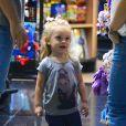 Aurora, de três anos de idade, vai ganhar um irmãozinho/a