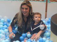 Rafa Brites se joga em piscina de bolinha para brincar com o filho, Rocco. Fotos