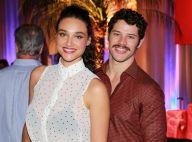 José Loreto sente sintomas de gravidez junto de Débora Nascimento: 'Enjoos'
