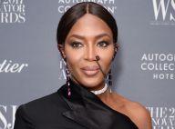 Naomi Campbell ousa com piercing conectado à orelha em premiação. Fotos do look!
