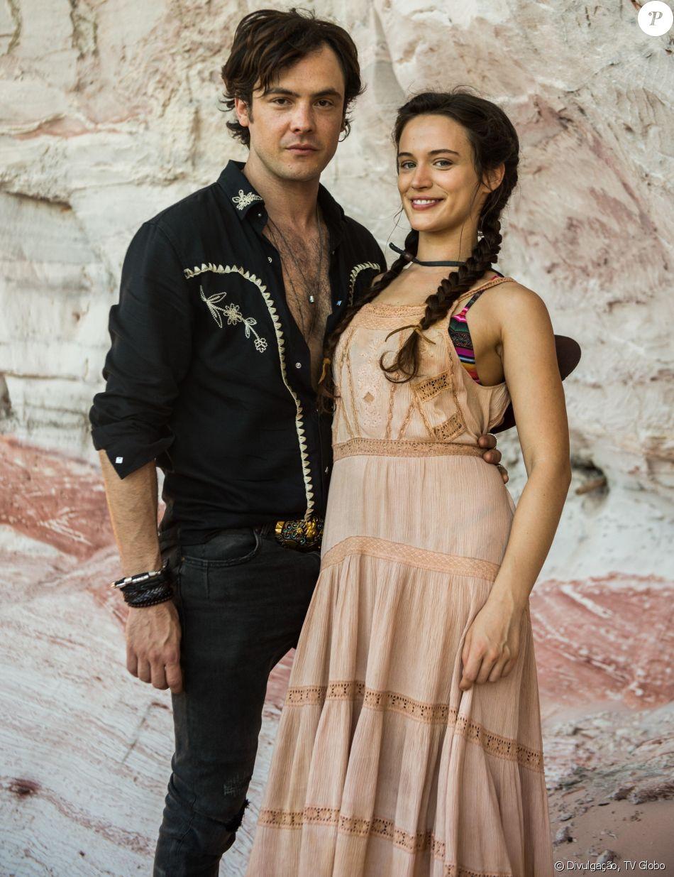 Sergio Guizé negou os rumores de romance com Bianca Bin fora da novela 'O Outro Lado do Paraíso'