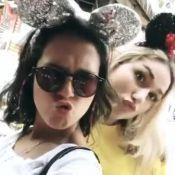 Sasha Meneghel usa tiara da Minnie em parque da Disney: 'Criança feliz'