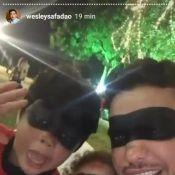 Wesley Safadão usa fantasia de super-herói com mulher e filhos: 'Poder'. Vídeo!