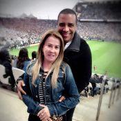 Zilu vai a jogo de futebol com o namorado, Marco Antonio Teles: 'Tarde ímpar'
