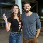 Cauã Reymond e a namorada, Mariana Goldfarb, prestigiam show de Jack Johnson