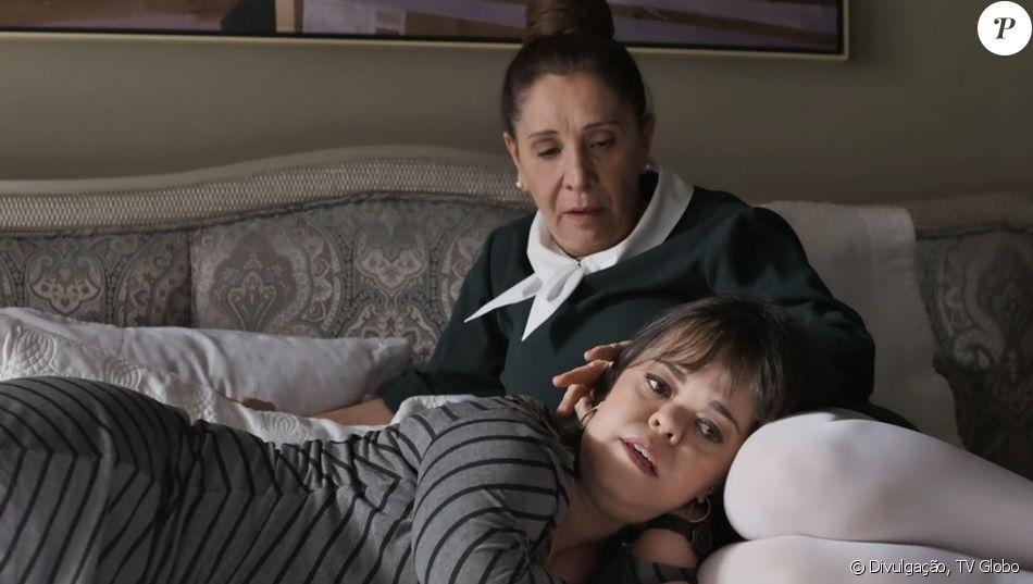 Estela (Juliana Caldas) é trancada com Rosalinda (Vera Mancini) em seu quarto por Sophia (Marieta Severo) para não ir ao casamento de Samuel (Eriberto Leão) e Suzy (Ellen Rocche), no capítulo prevista para ir ao ar dia 15 de novembro de 2017, na novela 'O Outro Lado do Paraíso'