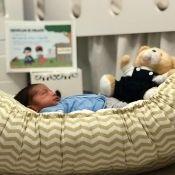 Aline Dias mostra o filho, Bernardo, e relata choro com vacinas dele: 'Doeu'
