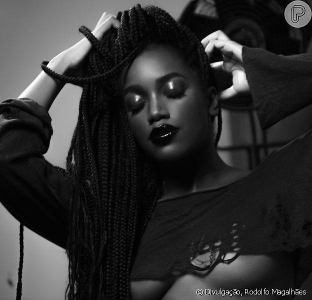 Em conversa com o Purepeople, Iza contou que sofreu com racismo no passado