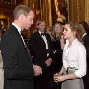 Emma Watson tieta Príncipe William durante jantar de estrelas na Inglaterra