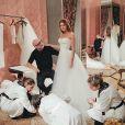 Marina Ruy Barbosa relembrou a prova de seu vestido de noiva, confeccionado pela grife Dolce e Gabbana