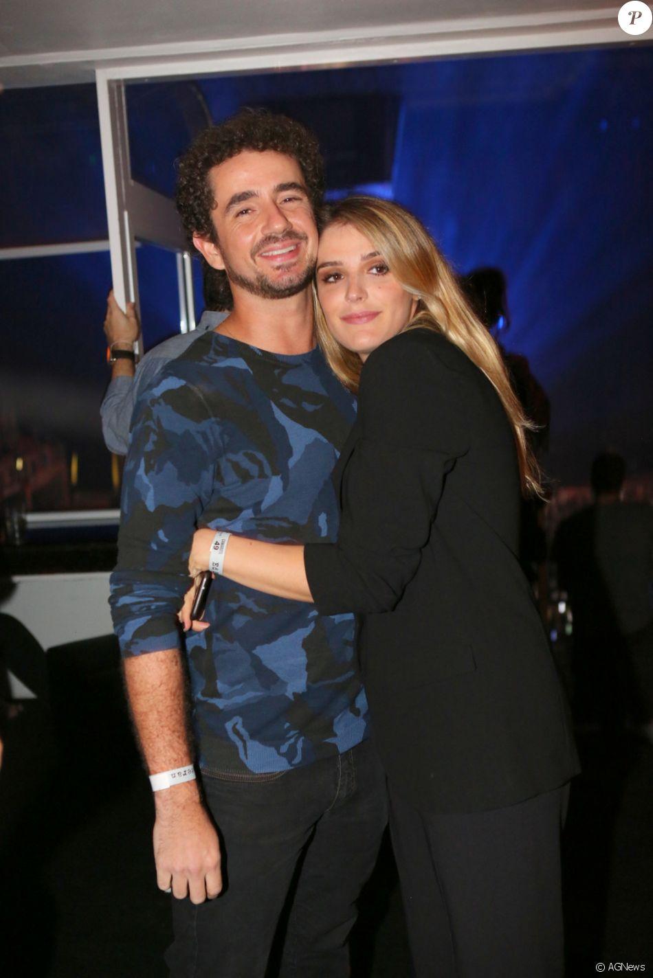 Rafa Brites e Felipe Andreoli estão completando 6 anos de casamento neste sábado, 11 de novembro de 2017
