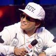 Bruno Mars declarou que não quer mais escrever músicas para outros artistas: 'Isso era anteriormente, quando eu lutava e sofria para pagar o aluguel. Eu vendia músicas por 250 dólares... Mas agora que eu estou bem'