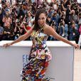 Rosario Dawson veste Sportmax no Festival de Cannes 2014