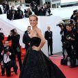 Petra Nemcova veste Zuhair Murad no tapete vermelho do Festival de Cannes 2014