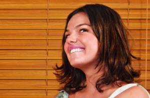 Isis Valverde revela vontade de ser mãe: 'Vejo uma criança e fico pirada'