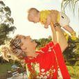 Enrico, filho de Karina Bacchi,  nasceu em agosto, nos Estados Unidos