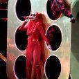 'Os figurinos da Witness Tour, de Katy Perry, são de outro mundo', afirma a revista 'InStyle'