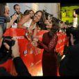 A atriz Paolla Oliveira foi atenciosa com os fãs portugueses durante sua passagem pelo evento