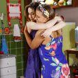 Fátima (Rai Teichimam) comemora por Cecília (Bia Arantes) e Gustavo (Carlo Porto) terem feito as pazes , na novela 'Carinha de Anjo'