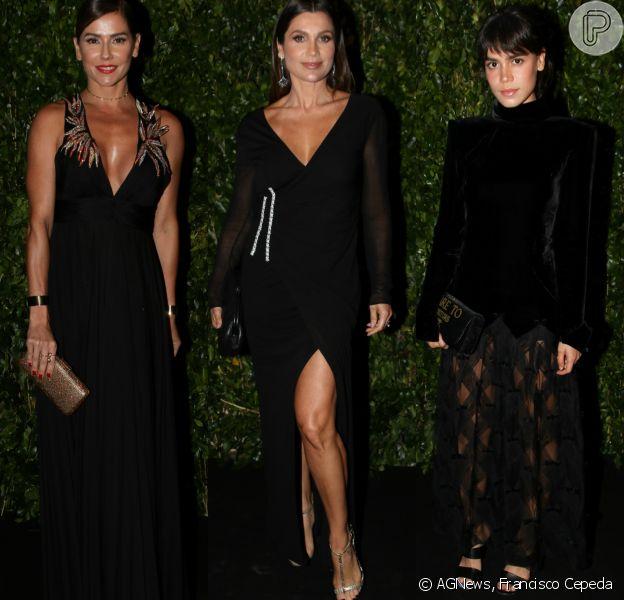 Deborah Secco, Flávia Alessandra e Carla Salle investiram em looks pretos para a 4ª edição do gala BrazilFoudation, na noite desta quarta-feira, 29 de novembro de 2017