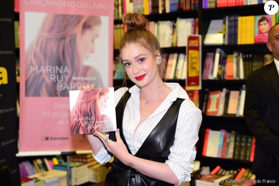 b27432cd1e858 Marina Ruy Barbosa lança o livro  Inspirações  em livraria de shopping de São  Paulo