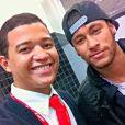 Neymar embarcou para o Brasil no domingo, 18 de maio de 2014