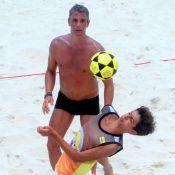 Marcio Garcia joga futevôlei com o filho e dupla mostra habilidade. Veja fotos!