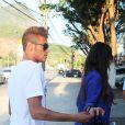 Na presença de fotógrafos, Neymar e Bruna Marquezine mal se encostavam