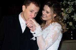 Tiago Leifert diz que mulher não vê fotos de casamento: 'Não gosta de olhar'